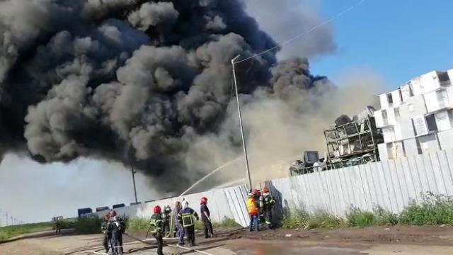 incendiu depozit Buzau