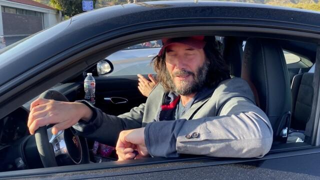Keanu Reeves e discret în privința vieții personale, dar paparazzii au fost pe fază. Cum l-au fotografiat - Imaginea 2