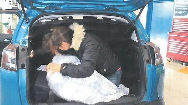 """Ce au ascuns în mașină doi români """"obraznici"""" care mergeau în UK. Au fost condamnați la 20 de luni de închisoare"""