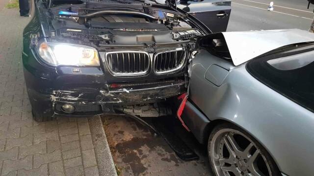 FOTO. Români atacați în stil mafiot, în Germania. Doi dintre ei au fost înjunghiați în mașină