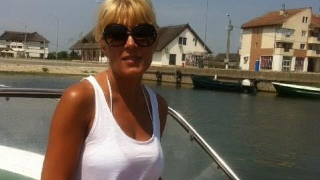 Elena Udrea, la plajă cu familia. Fotografia postată de soțul ei pe Facebook - Imaginea 3