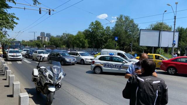 Un copil de 10 ani a murit după ce a fost lovit de un motociclist, în București - Imaginea 14