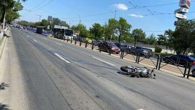 Un copil de 10 ani a murit după ce a fost lovit de un motociclist, în București - Imaginea 9
