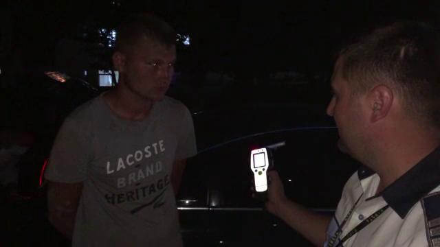 Tânăr arestat în Botoșani, după ce a condus o mașină neînmatriculată beat și fără permis