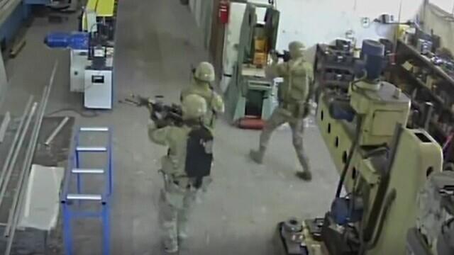 """VIDEO. Momentul în care soldații americani """"ocupă"""" din greșeală o fabrică de ulei din Bulgaria"""