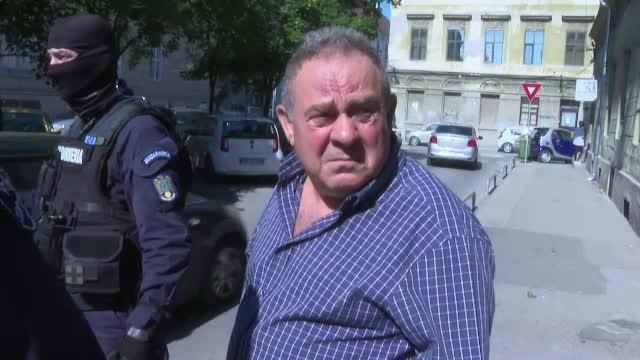 Executorul judecătoresc din Timișoara le-ar fi ademenit pe tinere cu bani și promisiuni