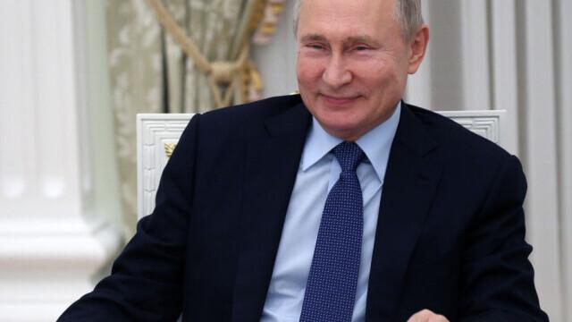 Putin se declară dispus să susțină la președinție și un critic de-al său, dacă este fidel țării