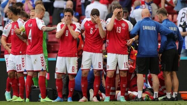 Momente de groază la EURO 2020, după ce danezul Eriksen s-a prăbuşit pe teren. UEFA a anunțat că starea sa este stabilă - Imaginea 1