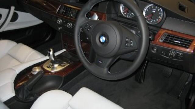 masina volan dreapta