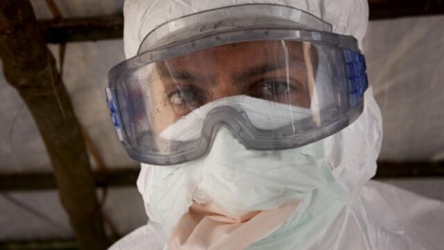 Africa se confrunta cu cea mai dura epidemie de Ebola: peste 670 de morti. Virusul se poate raspandi \