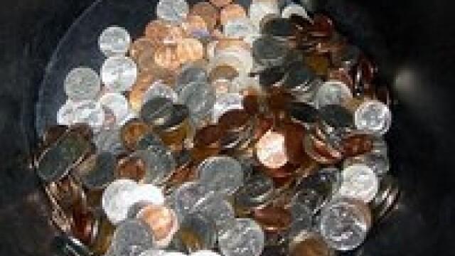 Cine scoate din tara peste 10.000 de euro fara sa-i declare risca puscaria