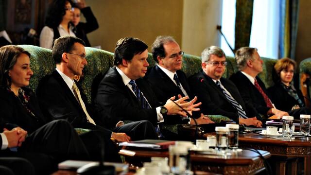 E oficial: Romania imprumuta 20 de miliarde de euro de la FMI si CE! - Imaginea 4