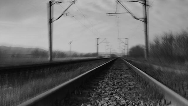 Beata moarta pe calea ferata. Vezi cum a intrat trenul in masina