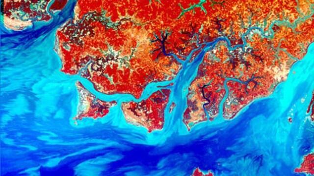 Pamantul, ca o mare de sange. Vezi cum arata radiatiile pe Terra. FOTO - Imaginea 1