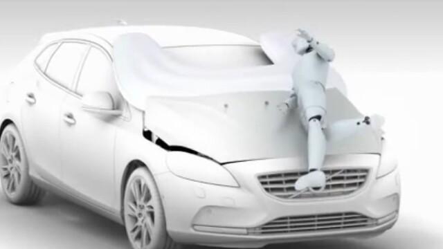 VIDEO. Inventia care va schimba radical accidentele din trafic: airbag-ul pentru pietoni