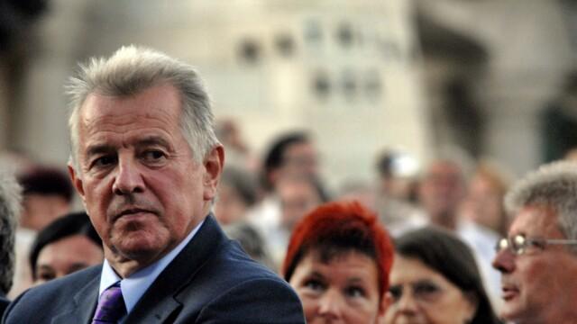 Presedintele ungar Pal Schmitt a demisionat, pe fondul scandalului retragerii titlului de doctor