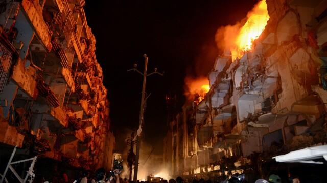Carnagiu in Pakistan. Cel putin 45 de morti intr-un atentat cu masina-capcana si circa 100 de raniti