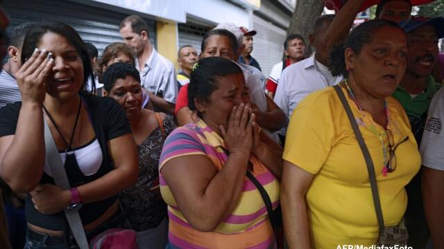 Hugo Chavez a murit. Sapte zile de doliu in Venezuela - Imaginea 11
