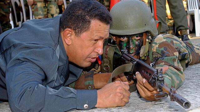 Povestea lui Hugo Chavez in 10 imagini: crescut in saracie alaturi de 6 frati, a ajuns erou national - Imaginea 5