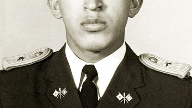 Povestea lui Hugo Chavez in 10 imagini: crescut in saracie alaturi de 6 frati, a ajuns erou national - Imaginea 3