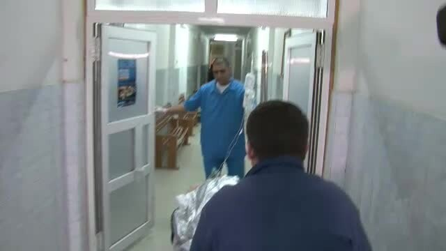 spital, medici, ranit pe targa
