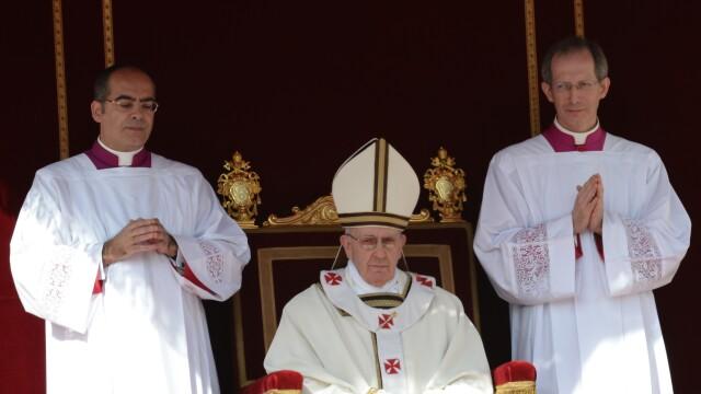 Salutul neobisnuit si noii pantofi ai Papei: cele mai frumoase imagini de azi de la Vatican