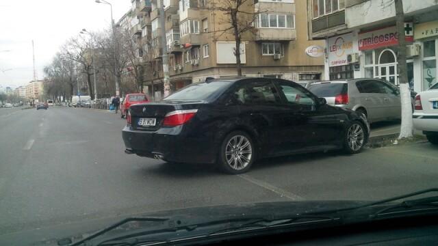 Un sofer din Capitala a reusit sa enerveze pe toata lumea cu felul in care a parcat. FOTO