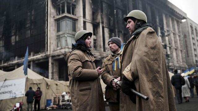 CRIZA din Crimeea: Putin nu a luat inca decizia unei interventii militare in Ucraina. Armata de la Kiev, in stare de alerta - Imaginea 6