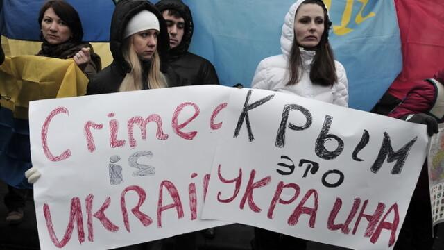 CRIZA din Crimeea: Putin nu a luat inca decizia unei interventii militare in Ucraina. Armata de la Kiev, in stare de alerta - Imaginea 9