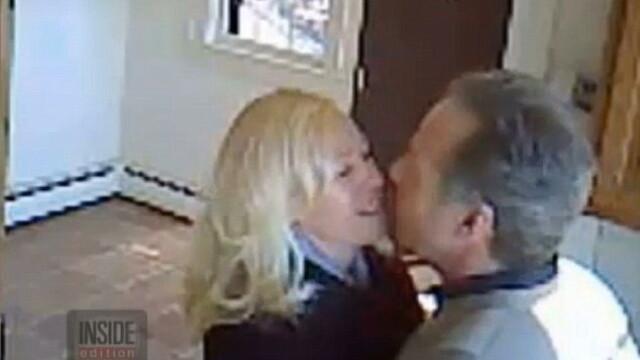Doi agenti imobiliari filmati facand sex intr-o casa pe care ar fi trebuit sa o vanda. IMAGINI de pe camera de supraveghere - Imaginea 1
