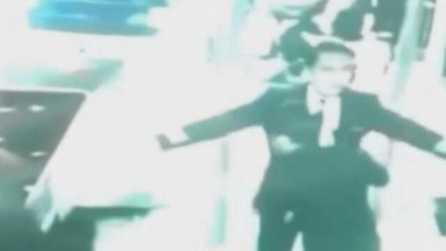 Ultimele imagini cu pilotul si copilotul avionului disparut din Malaysia. VIDEO - Imaginea 1