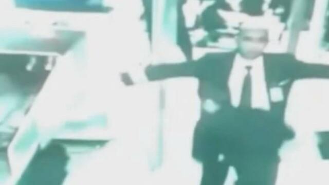 Ultimele imagini cu pilotul si copilotul avionului disparut din Malaysia. VIDEO - Imaginea 2