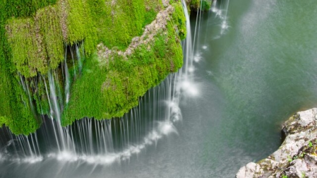 Huffington Post: Cascada Bigar din Romania \