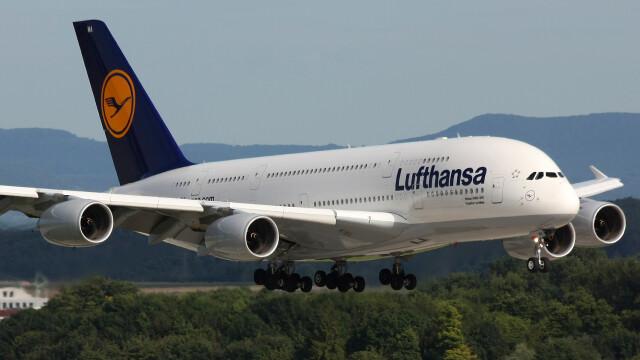 Lufthansa, atacata cibernetic. Hackerii au spart baza de date a clientilor companiei aeriene