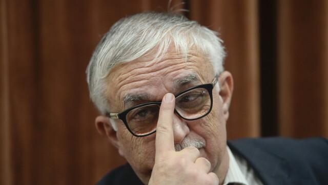Augustin Zegrean, presedintele CCR, audiat de procurori in dosarul \