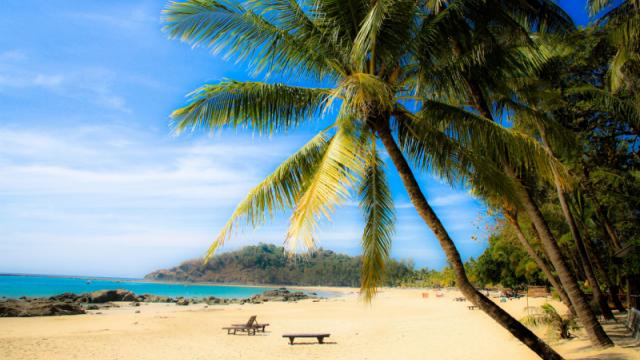 Care este cea mai frumoasa plaja din lume. O insula ce apartine Spaniei, in top 10 preferinte ale turistilor in 2016 - Imaginea 8