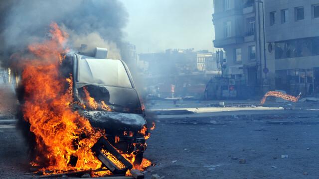 masina explozie - Shutterstock
