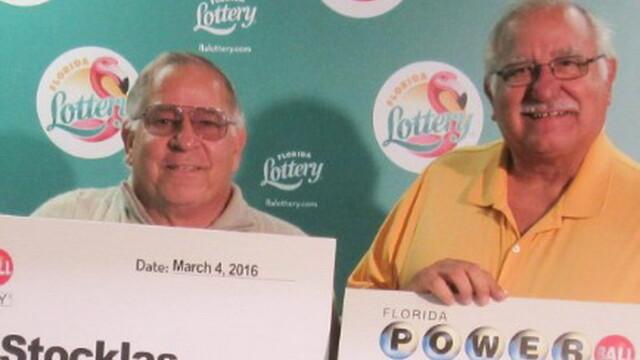 Doi frati au castigat la loterie, la aceeasi extragere. Surpriza privind sumele castigate de barbati