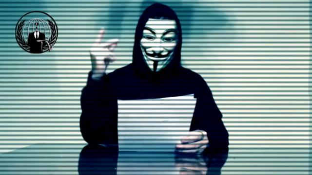 Hackerii Anonymous ii declara \
