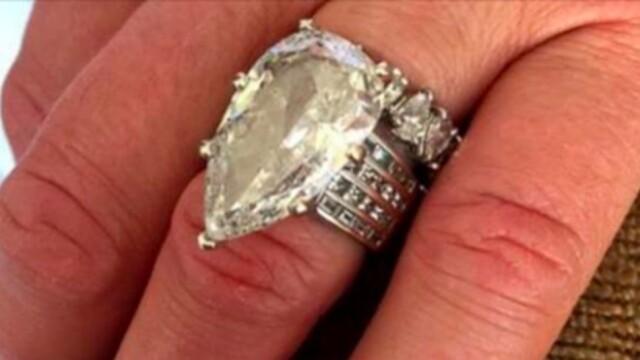 A aruncat la gunoi inelul de 400.000 de dolari al sotiei sale. Ce s-a intamplat in urmatoarele ore este incredibil