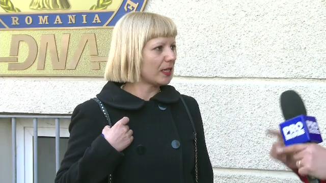 Camelia Bogdan, judecatoarea care l-a condamnat pe Dan Voiculescu, o acuza pe sefa CSM ca a obtinut ilegal o locuinta sociala