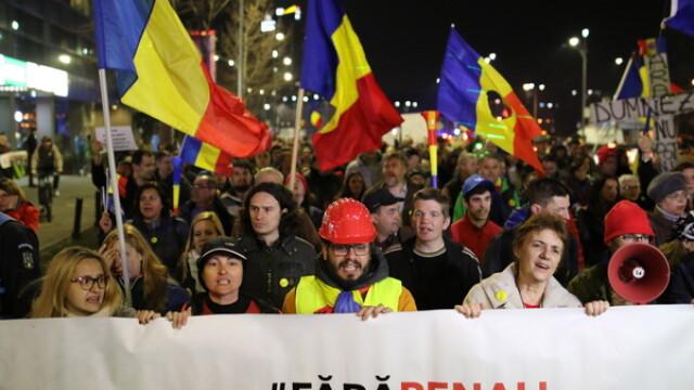 Cateva mii de oameni au manifestat pentru sustinerea DNA. La Bucuresti, actiunea s-a incheiat cu intonarea imnului national