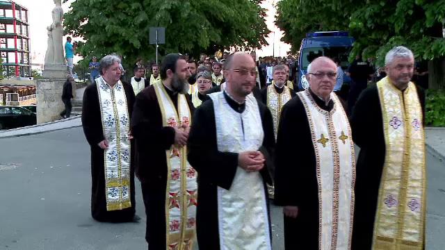 IPS Teodosie le-a dat ordin profesorilor de religie din Constanta sa protesteze fata de avort. Reactia Patriarhiei