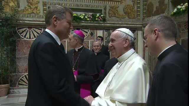 Presedintele Klaus Iohannis, primit de Papa Francisc la Vatican, alaturi de alti lideri europeni