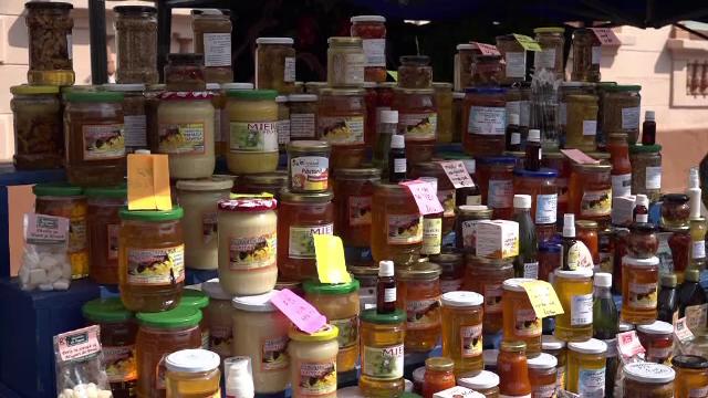 Mierea romaneasca ecologica 100%, extrem de apreciata in strainatate. Peste 60% din productie este vanduta in strainatate