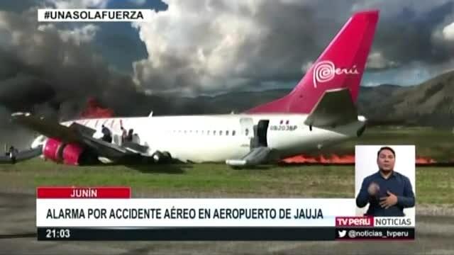 Avion din Peru in flacari