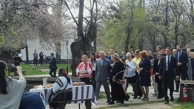 A admirat incondeierea oualor si a plantat un pom. Cum a decurs a doua zi din vizita Printului Charles in Romania - Imaginea 2