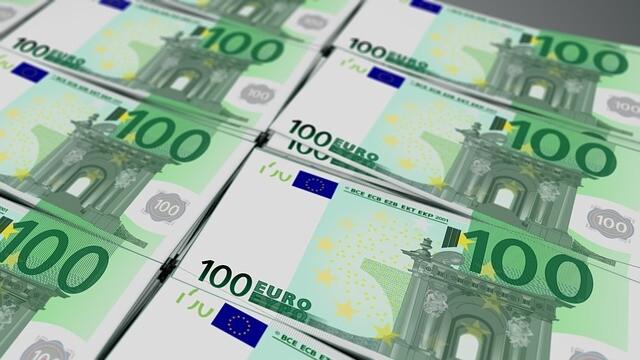 28 mld. euro, transferate din greșeală. Cine s-a trezit cu această sumă în cont