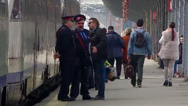 Călătorii gratuite cu trenul, o lună, pentru tinerii care împlinesc 18 ani