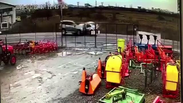 Patru persoane au ajuns la spital, după un accident pe o șosea din Baia Mare